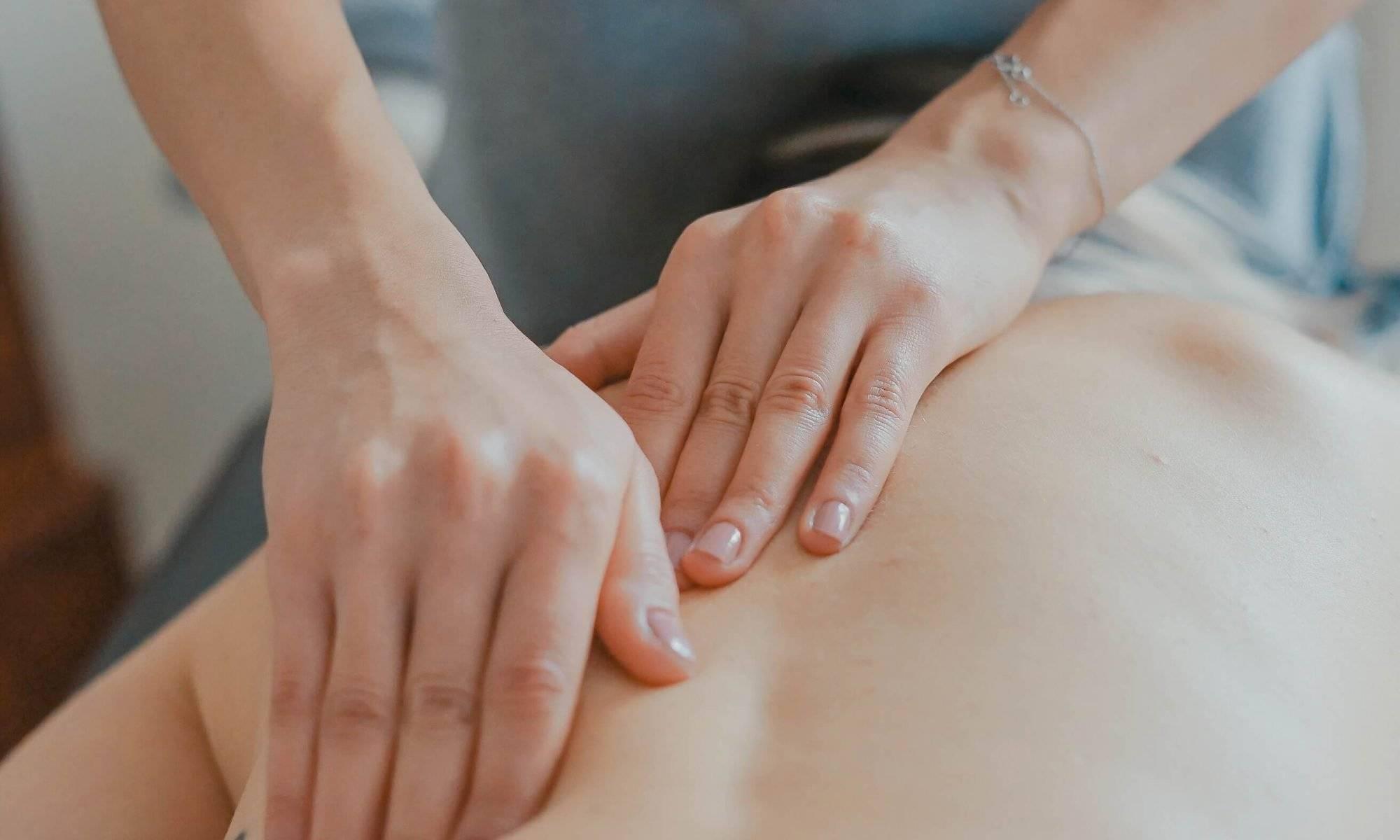 Chiropractor massage